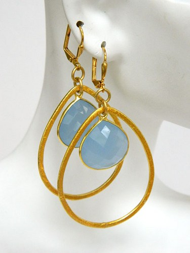 blue_chalcedony_gemstone_earrings_gold_dangle_short_handmade_32c61477_607373
